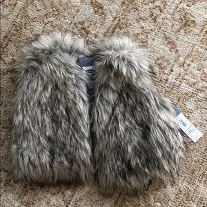Faux Fur vest size 12-18m